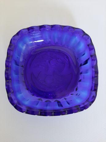 Popielniczka kobaltowa, Czechosłowacja Vintage Design
