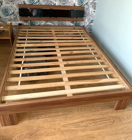 Łóżko sypialniane 140x200 materac gratis
