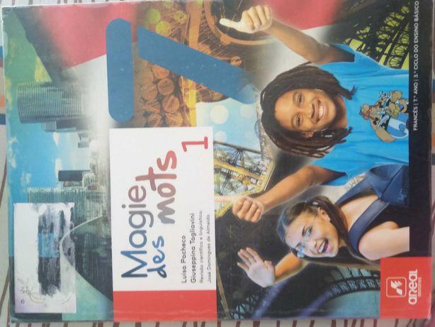 Livro de Francês do 7º ano ISBN - 9789896474362