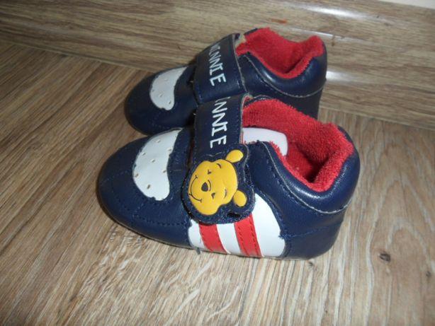 Buty Buciki Niechodki dla noworodka 0-3 miesiące Disney Kubuś Puchatek