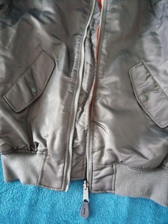 Продам куртку MA1 новую.