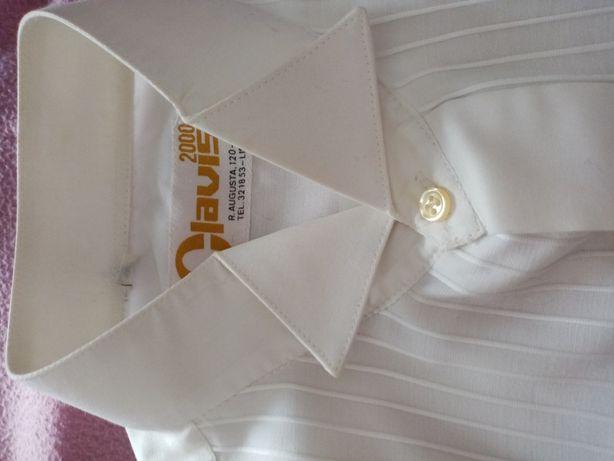 Camisa de cerimónia nova