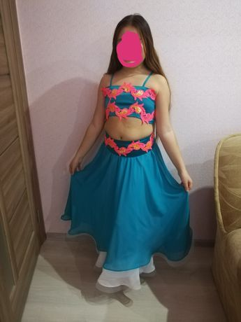 Красивый восточный костюм для девочки 1—5 классов в отличном состоянии