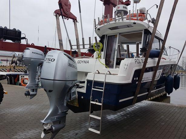 Łódz motorowa Jacht motorowy łódź trollingowa