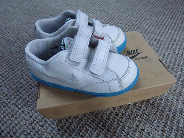 NIKE buty dziecięce rozmiar 23,5 WARSZAWA