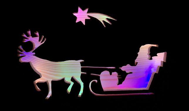 Drewniana, świecąca ozdoba świąteczna - Mikołaj z reniferem