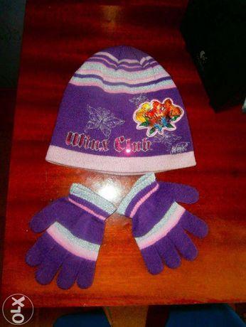 Продается шапочка и перчатки весенние