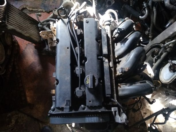 Мотор двигатель  Ford Focus MK2  1,6 бензин