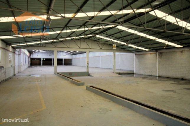 Aceitamos Propostas de Armazém de 2.519 m2 em Santa Maria da Feira
