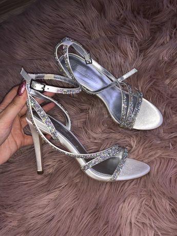 Sandałki ślubne z cykoriami diamenty paskami 37 Asos ślub szpilki