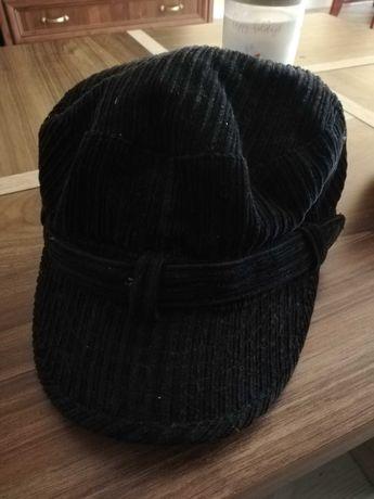 Czapka czarna z daszkiem damska kaszkiet