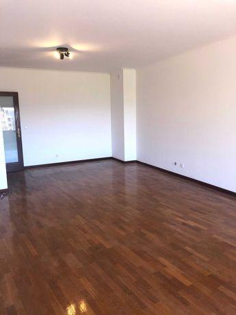 Apartamento T3, Penafiel Centro, lugar de garagem, Passo recibos