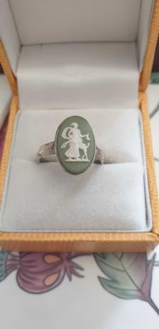 Srebrny pierścionek Wedgwood & Sons porcelana 1975r
