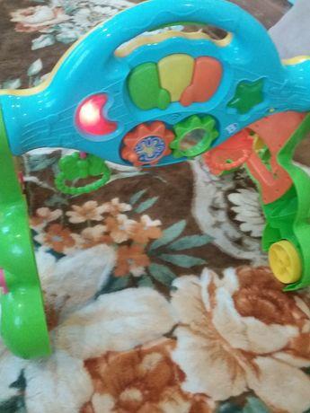 Ходунки-толокар, прекрасная игрушка для ребенка.