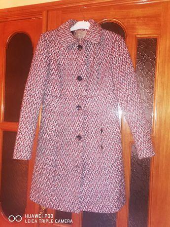 Пальто жіноче, фірмове