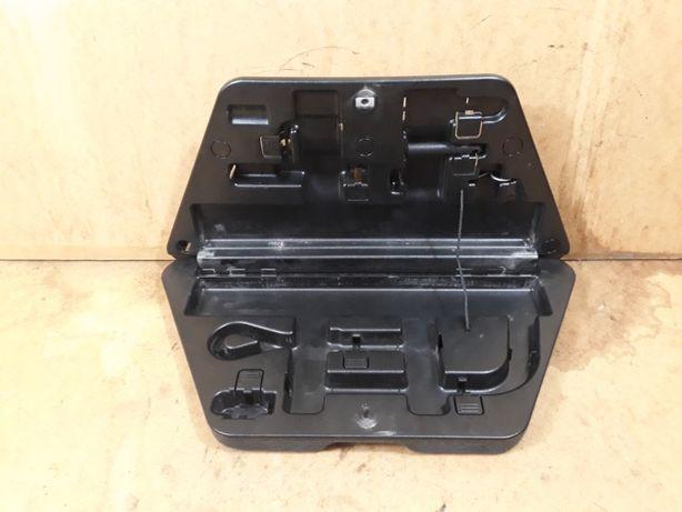 AUDI A3 D3 organizer schowek na klucze