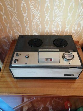 Lampowy szpulowy magnetofon ZK 120 - PRL, NOWA HUTA