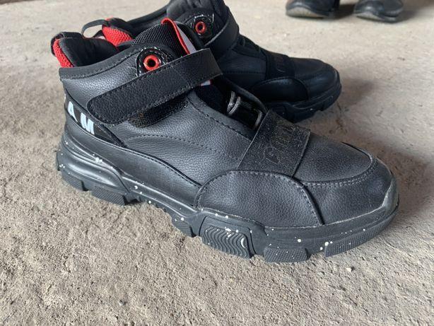 Кросівкт,туфлі 37 розмір