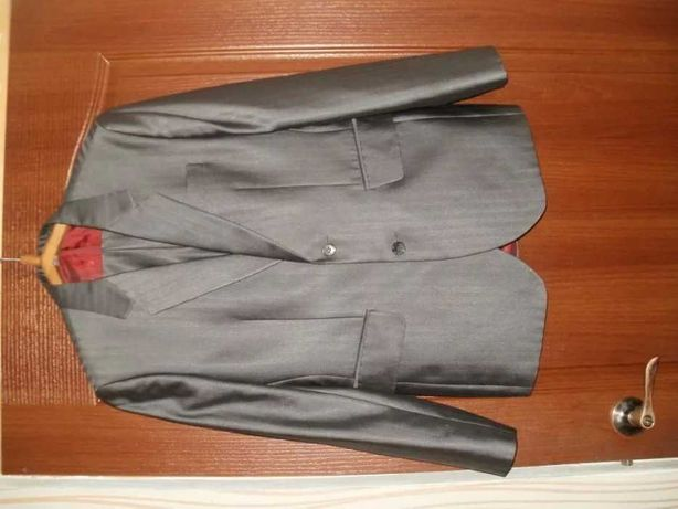 Мужской костюм, размер 44
