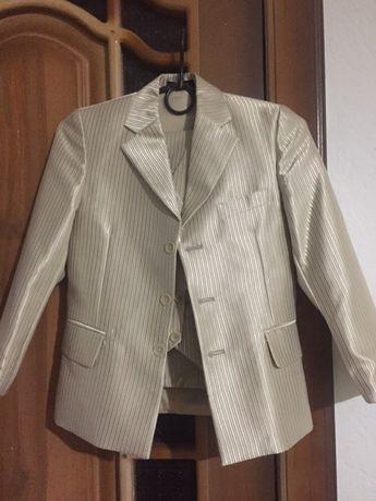 Нарядный костюм-тройка мальчику 1-2 класс