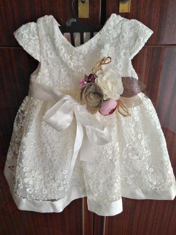 Нарядное платье для маленькой принцессы с повязкой на голову