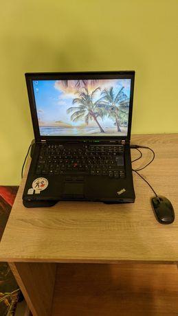 Lenovo ThinkPad T61 plus podstawka chłodząca plus zasilacz plus mysz