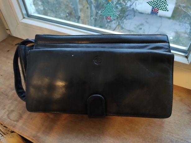 Кожаная сумка барсетка, без дефектов, состояние как новая