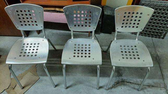 Cadeiras em inox
