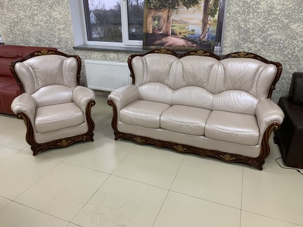 Класичний гарнітур шкіряний диван і крісло барокко з Німеччини