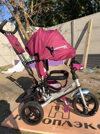 Продам трех колесный велосипед с родительской ручкойCrosser one