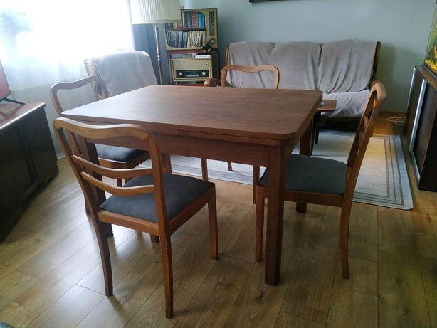Stół drewniany z krzesłami, po renowacji, lata 50-te