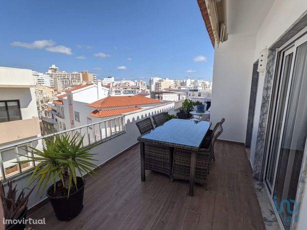 Apartamento - 84 m² - T2