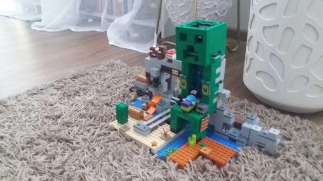 Sprzedam Lego Maincraft.