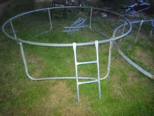 Rama trampoliny obręcz z podstawą 240cm