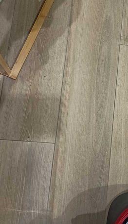 Drewnopodobne włoskie plytki 9 sztuk