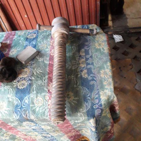 śruba do starego stołu stolarskiego