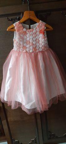 Нарядное платье на 5 лет. 600 руб