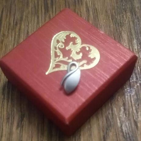 Wisiorek na łancuszek APART pruba 925 srebro