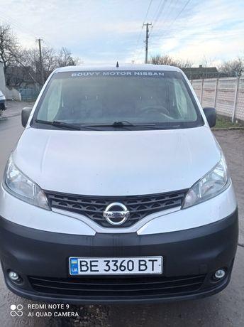Nisan NV 200 фургон