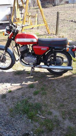 Мотоцикл Ява 350 з документами.В наявність є два мотоцикла
