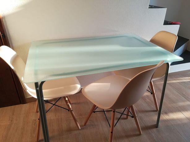 Vende-se mesa de cozinha