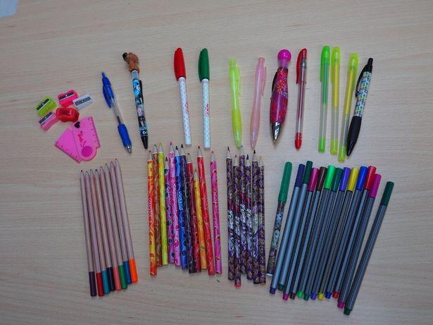 Zestaw szkolny kredki Ever After High cienkopisy długopisy 56 szt