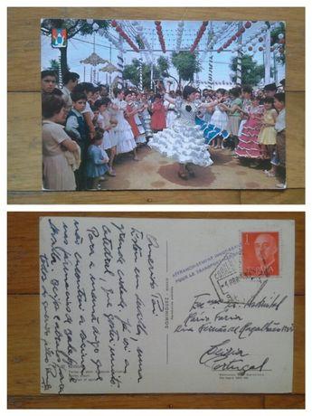 Vários postais antigos com selos.