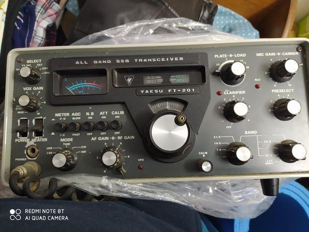 Rádio Yaesu Ft -201 bandas baixas