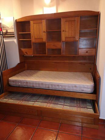 Estúdio, escrivaninha e estante em Pinho mel maciço