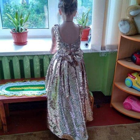 ПродаємоВипускне Плаття