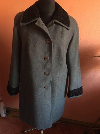 Płaszcz damski wełniany
