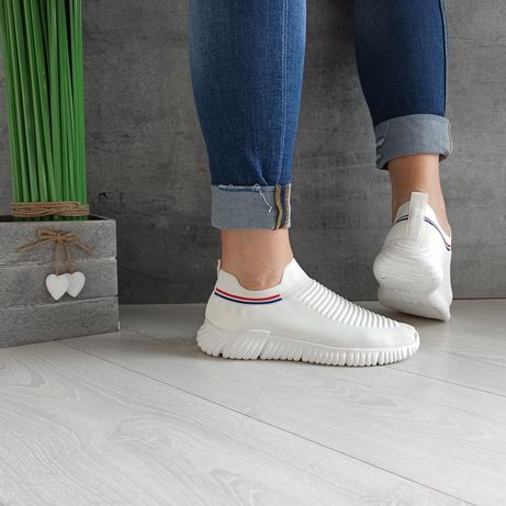 37-41 35 zł  KS1233  białe  Buty sportowe oddychające  wsuwane ażurowe