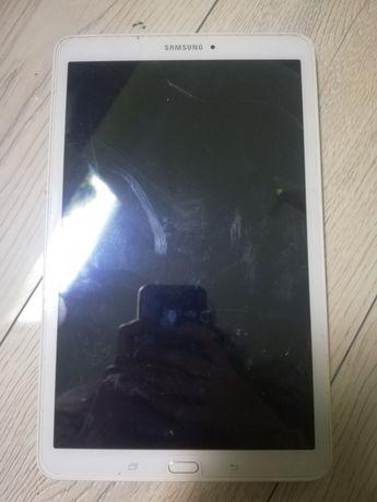 Samsung Galaxy Tab E biały tablet