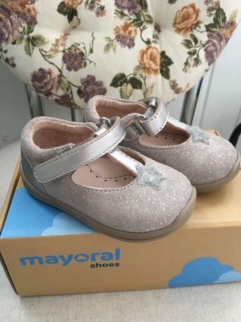 Туфлі 'First steps' , 19 розмір, Mayoral